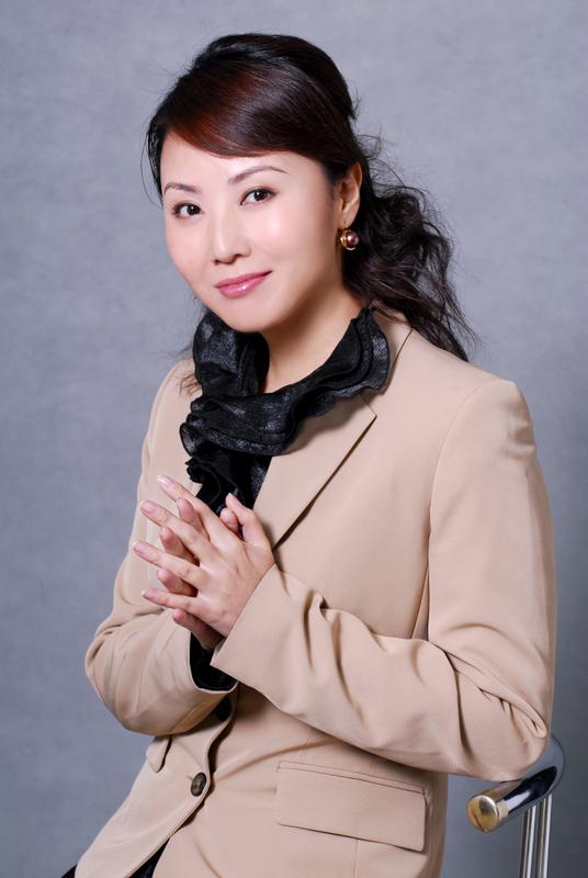 张庆 北京电视台财经频道主持人 搜狗百科图片 535799 536x800