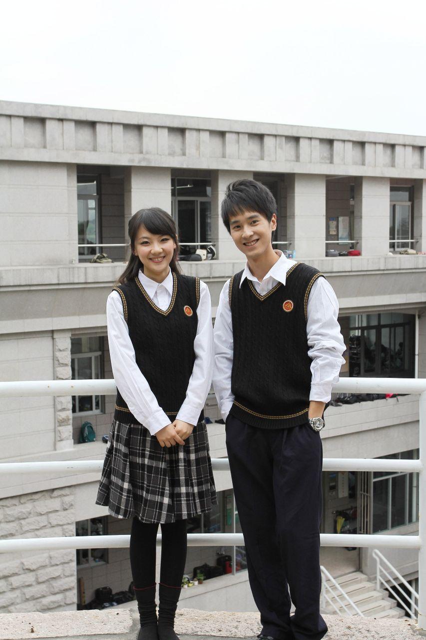 中学校服_请问汕头金山中学的校服是什么颜色的-汕头市第一中学的校服是