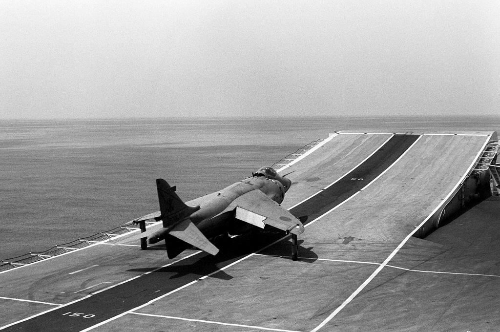 这种起飞方式不需要复杂的弹射装置