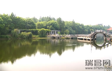长沙烈士公园湖心岛