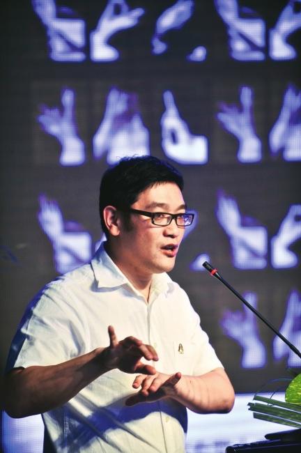 贾伟(洛可可设计公司创始人兼设计总监)