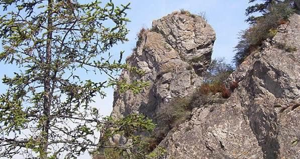 山姬之实第一卷_老爷山是一座文化名山.是儒,释,道三种宗教文化汇聚的地方.