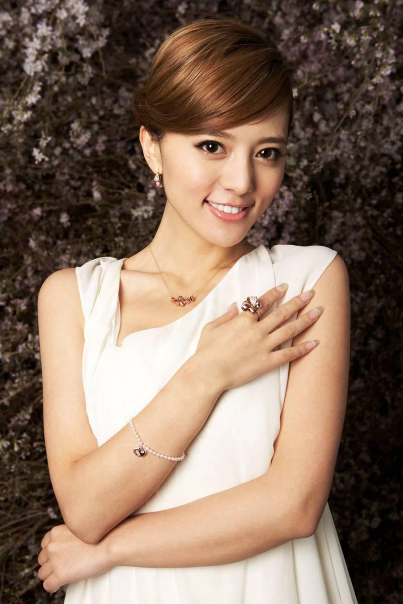 阿兰(中国藏族女歌手)