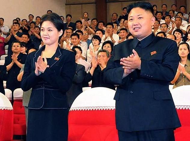 李雪主现年二十七岁,毕业于金日成综合大学,朝鲜咸镜北道清津市人