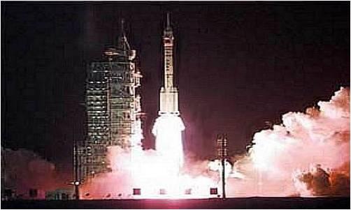 神舟一号飞船于1999年11月20日6时30分在酒泉卫星发射中心由新型长征