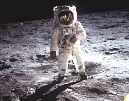 阿波罗登月是假的吗_阿波罗登月是假的NASA公布8400多张照片打