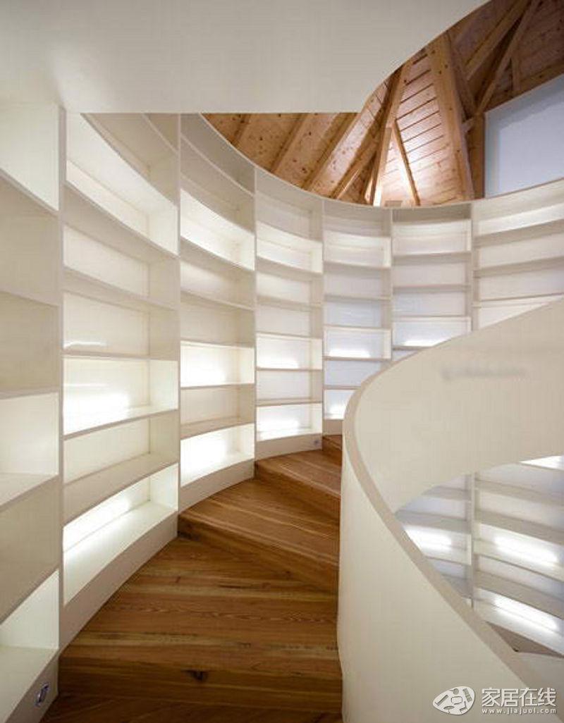 现在许多家庭都买了别墅或者是复式楼,这就需要安装一部楼梯.图片
