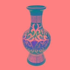 柱形花瓶手绘图案