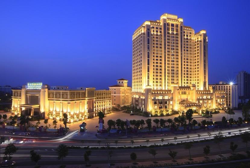 是佛山地区首家由全国仅有三家白金五星酒店之一