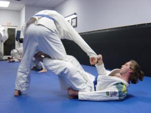 巴西柔术中的独特技术De La Riva Guard-格雷西柔术图片