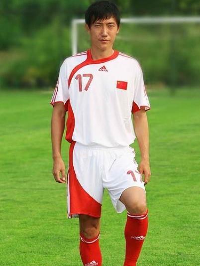 曲波(中国足球运动员)