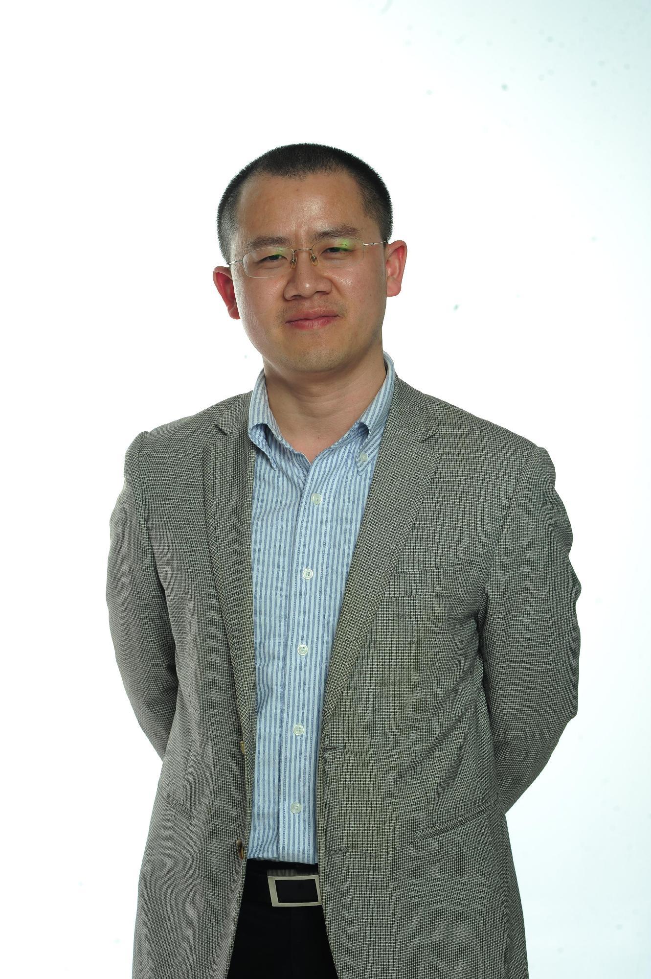 日前,上海现代服务业联合会品牌服务专业委员会即将在上海成立。上海锦坤文化发展集团作为发起人单位,在上海上海现代服务业联合会领导下,正着手相关的准备和筹建工作。   上海现代服务业联合会品牌服务专业委员会是上海现代服务业联合会下的继设计专业委员会、服务外包专业委员会之后的第三个专业委员会,为上海的品牌型企业和相关协会提供相关的指导和服务。   上海现代服务业联合会是为了适应上海推进城市现代化发展,提高国际竞争力的客观需要,按照上海市政府提出的大力发展服务业,尤其是发展现代服务业,增强城市综合服务功能的