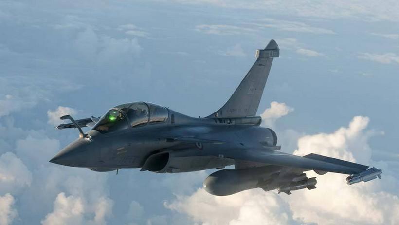 战斗机 阵风图片