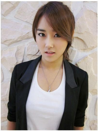 许嘉允(),韩国当红女子组合4minute的主唱