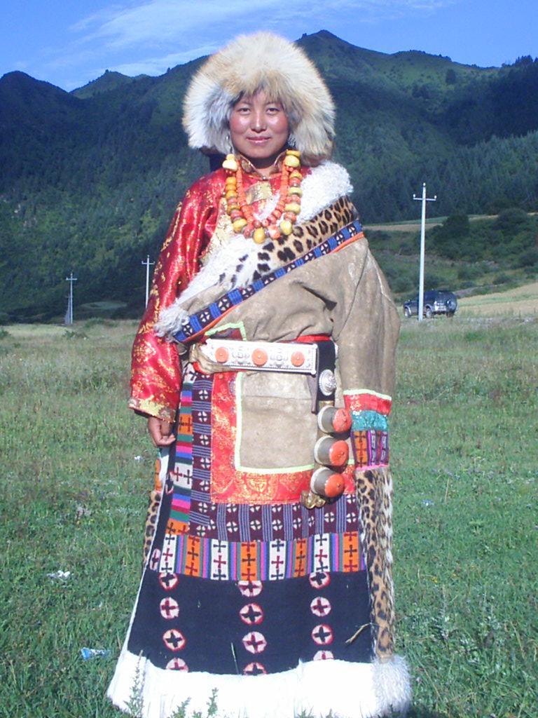 藏族物品彩色手绘图
