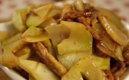 肥肠尖椒溜榨菜图片