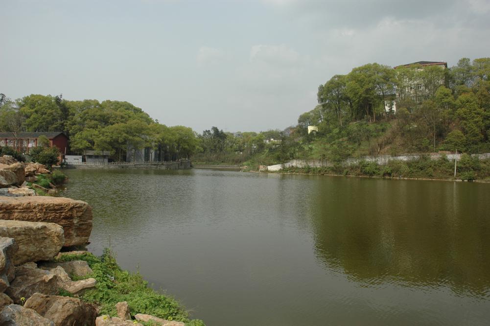 全部版本 历史版本  重庆大学城市科技学院艺术设计学院拥有专业画室