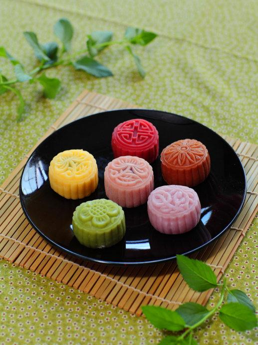 年推出的新派中秋节月饼