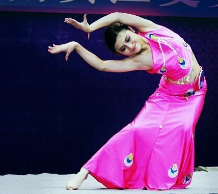 孔雀舞(傣族传统表演性舞蹈)拉萨的太阳的优秀教案图片