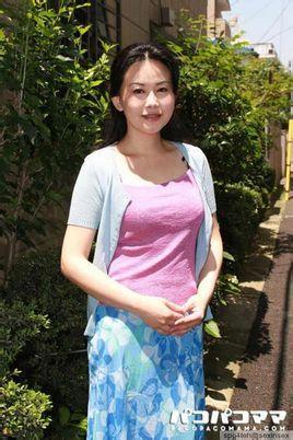 欧美四十路熟女乱伦�_浅井舞香,出生于日本的首都东京都,日本av女优,日本当今四十路熟女