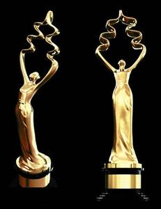 """第三届北京国际电影节在京发布了主竞赛单元""""天坛奖""""奖杯,第三届电影图片"""