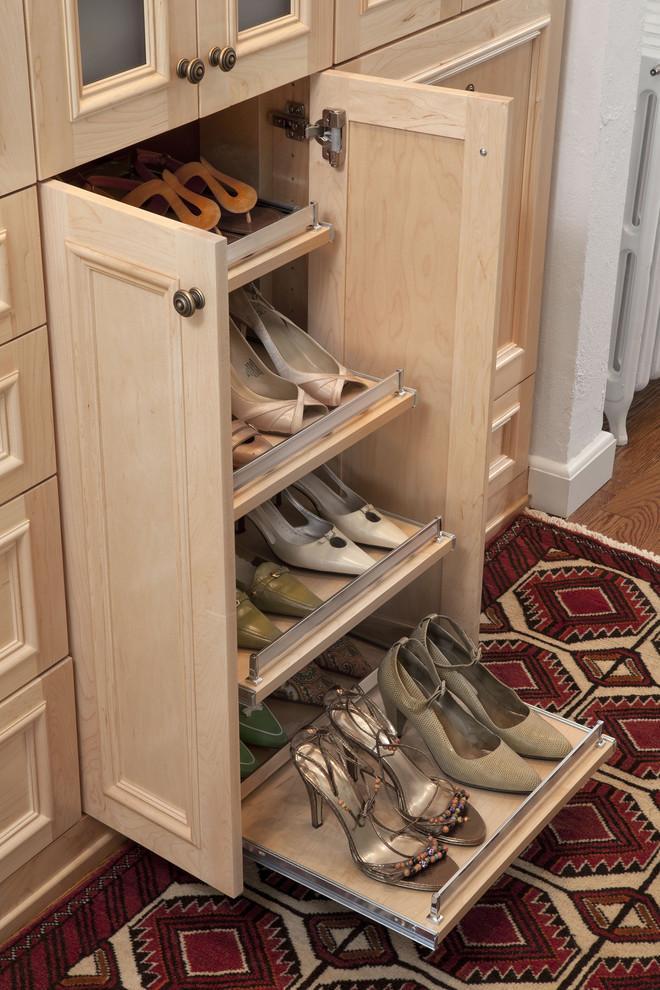 阿迪鞋柜展示台手绘图