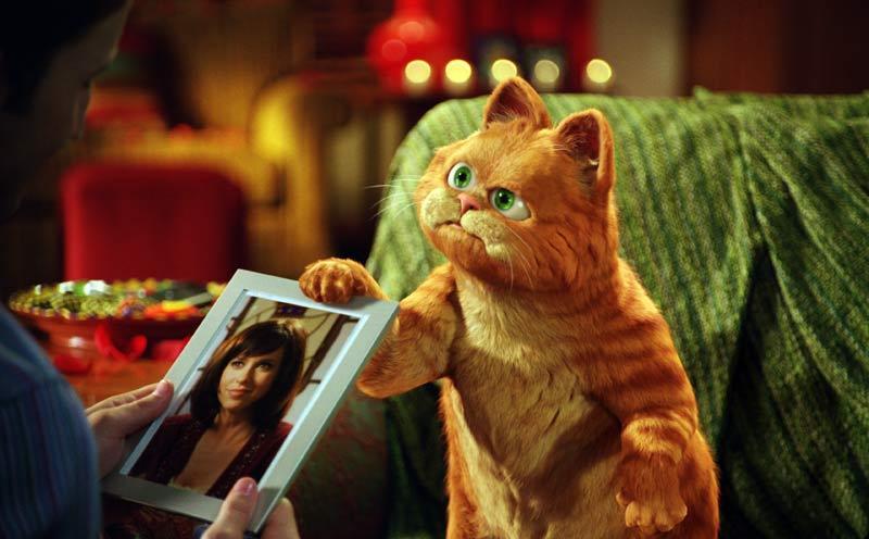 当我刚接拍上一部电影,也很投入地尝试了一下加菲猫最爱的食物——