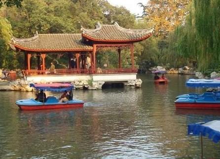 桂花公园儿童游乐场