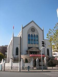 沪东堂是中国上海市一座基督教教堂,位于杨浦区国和路