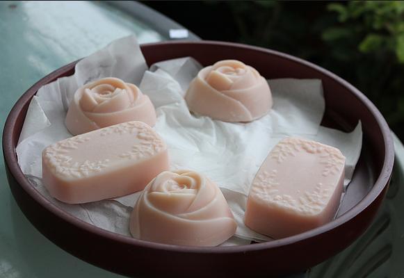 手工皂的制作方法分为两种