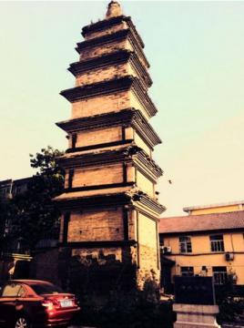 净光寺塔位于眉县县政府大院内