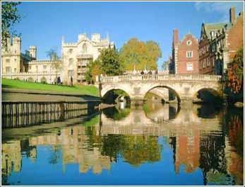 康橋,現譯劍橋(cambridge),是英國歷史悠久的大學城,劍橋大學的所在地