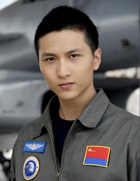 中国 内地 男 演员 这个 新生 代 男 演员 蓄