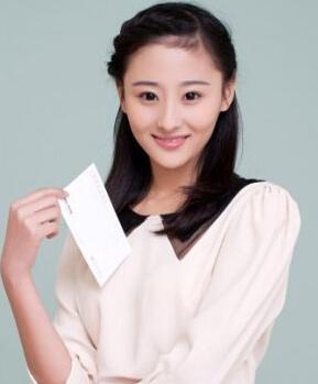 担任女主角李智媛