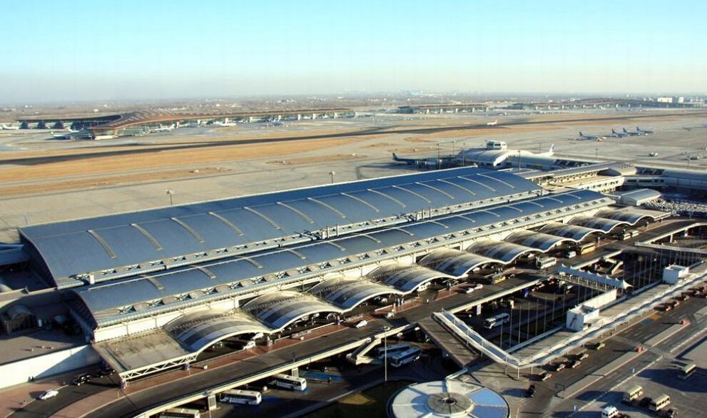 按旅客吞吐量排名: [5](2012年) 北京首都国际机场 广州白云国际机场