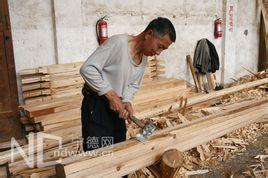 在制造家具零件,门窗框架,或其他木制品过程中用手工工具或机器工具