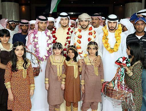 迪拜皇室成员合影