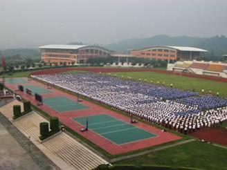 龙城高级中学图片