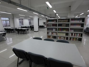 北师大朝阳附中图书馆该校的招生规模初步计划在每年200人左右,有