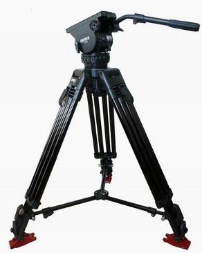 三脚架,稳定照相机的支撑物.一般消费者在购买数码相机的时候都往