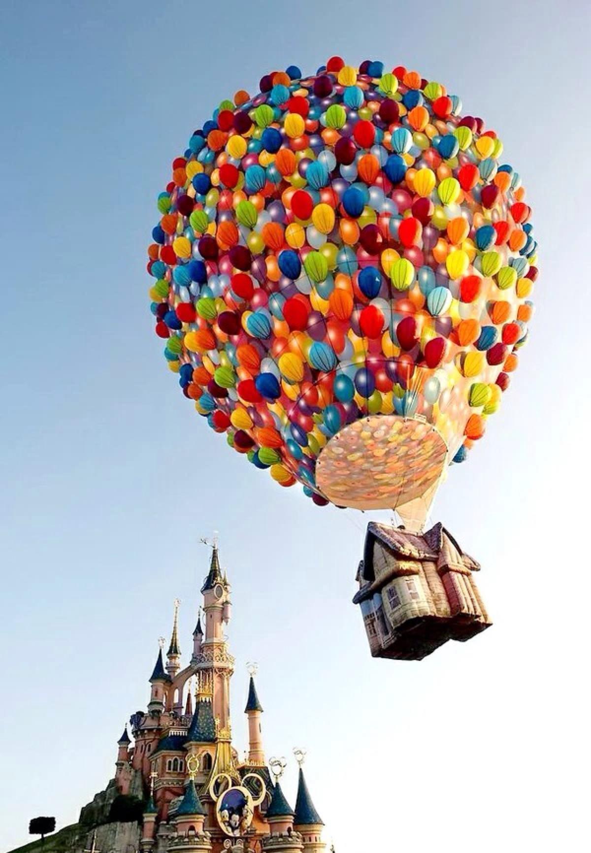 幼儿园楼梯墙面环境热气球