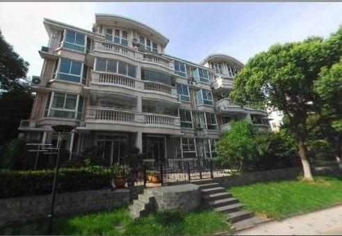 摘要 ##                      东苑半岛花园住宅区位于上海市西南部