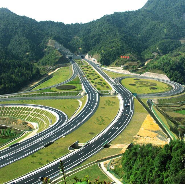永武高速(上杭至閩粵接點)公路建成通車;上杭蛟洋至城關高速,永春至