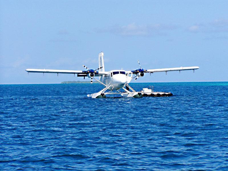水上起飞的飞机,是由法国著名的早期飞行家和飞机设计师瓦赞兄弟制造