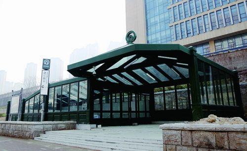 青岛地铁车站外观