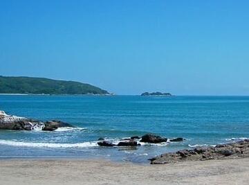 8海里,总面积为157平方公里,西面为下川岛.