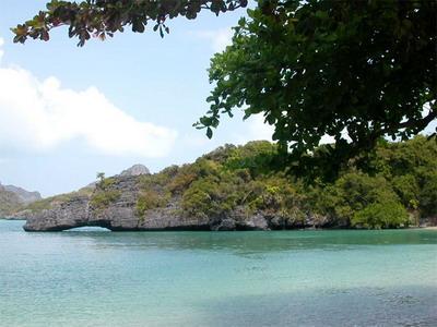 全部版本 最新版本  位于泰国湾的苏梅岛是全国第三大岛,面积247㎞,距