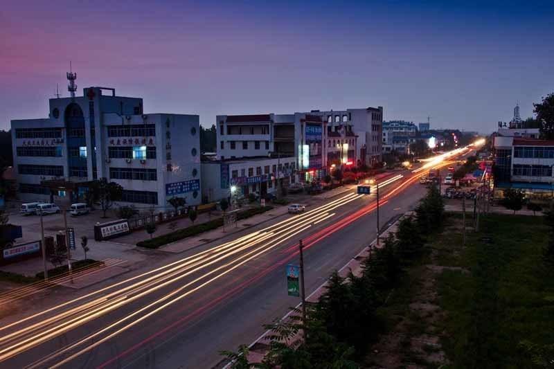 大汶河旅游開發區位于安丘市城區東部,區位優勢明顯,北靠國家城市