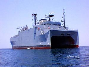 """美国海军潜艇监测船""""无暇""""号"""