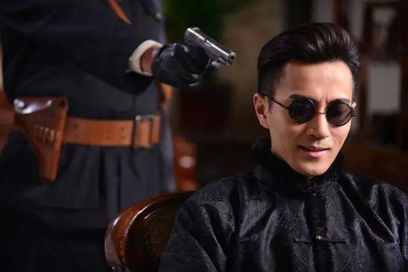而曾与刘恺威在《喋血孤岛》中有过合作的张殿伦,此次担正男二,饰演与